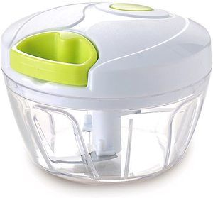 9. Vinipiak Manual Food Chopper (2 cups)