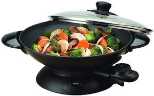 10. Aroma Housewares AEW-306 5-Quart Electric Wok