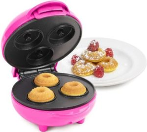 3. Nostalgia My Mini Lava & Bundt cake maker